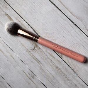 Luxie 660 Precision Foundation Brush